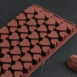 Форма для конфет «Россыпь сердец» №20